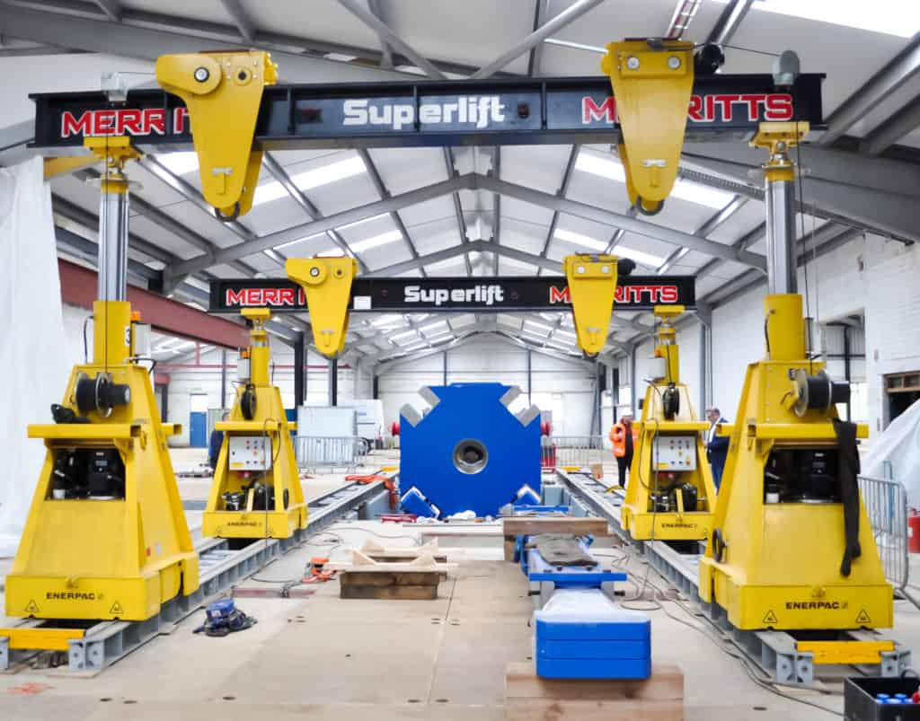 Super Lift Hydraulic Gantry System.